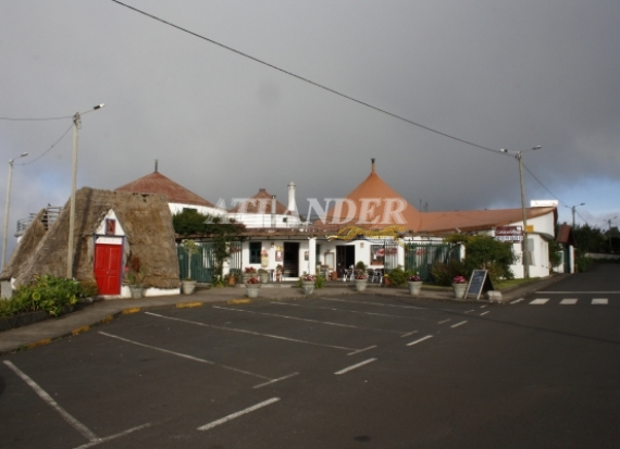 Ref1927c, Hotel with swimming pool + shop and restaurant for sale, 35 rooms (bungalows), São Jorge, SANTANA