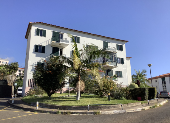 Ref1801, 3 bedrooms apartment with balcony, on the top floor, for sale, (Madalenas), Santo Antonio, Funchal