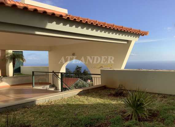 Ref 1800c, 1 bedroom top floor apartment with balcony for sale, Caniço, Santa Cruz